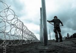 La Hongrie érige un mur anti-migrants avec la Roumanie